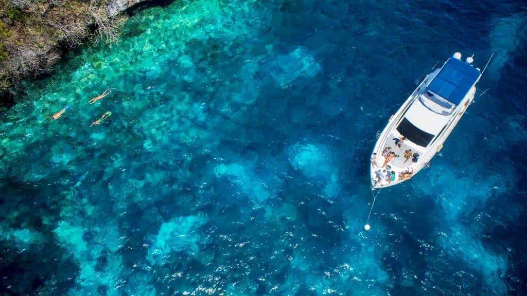 bonjourman-boat